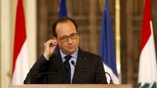 По данным соцопросов, Франсуа Олланд стал самым непопулярным президентом Пятой Республики.