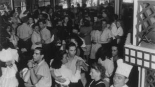 Bal chez Gégène, by Robert Doisneau 1945