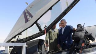 بنیامین نتانیاهو از هواپیماهای اف-٣۵  بازدید میکند
