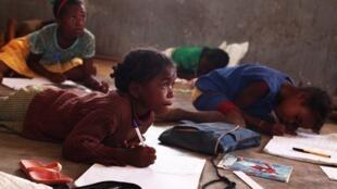 A Madagascar, 150 centres et associations dépendent du financement du PAM pour approvisionner les cantines réservées aux enfants en situation de  précarité.
