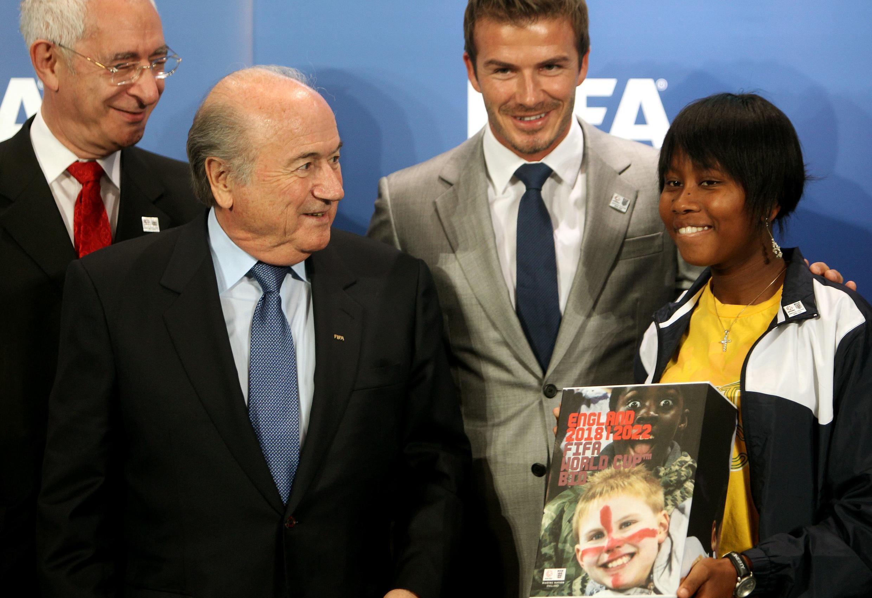 Chủ tịch FIFA Sepp Blatter và các đại diện Anh Quốc trong ban đăng cai tổ chức World Cup 2018 tại Anh. Ảnh chụp ngày 14/05/2010.
