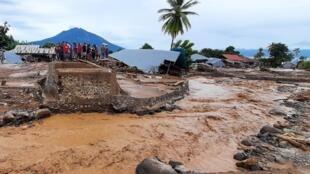 Casas destruidas por las inundaciones, el 5 de abril de 2021 en Waiwerang, Indonesia