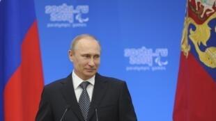 Le président russe Vladimir Poutine. (Ici lors d'une cérémonie en l'honneur des athlètes paralympiques russes à Sotchi, le 17 mars 2014.)
