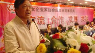 寧夏林業局原黨組書記、局長(應為廳局級)王德林,照片日期不明。