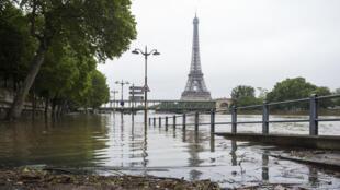 La Seine pourrait atteindre le week-end prochain dans la capitale un pic, entre 5,10 et 5,70 mètres.
