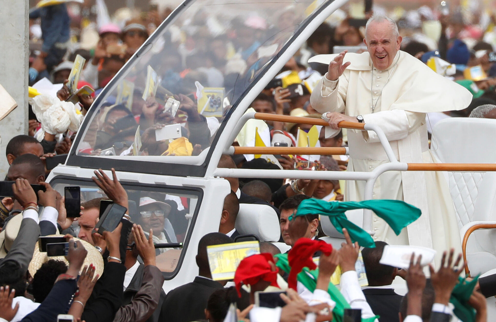 Madagascar: le pape arrive pour célébrer la grand-messe dans la capitale malgache, le 8 septembre 2019.