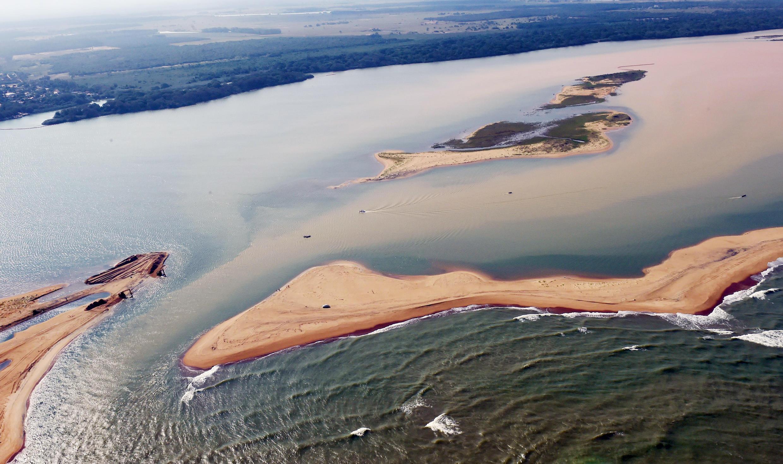 Vista aérea del Río Dulce contaminado, el pasado 21 de noviembre de 2015.