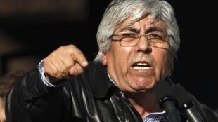 Le leader de la CGT argentine Hugo Moyano, lors du meeting de la place de Mai à Buensos Aires, le 27 juin 2012.