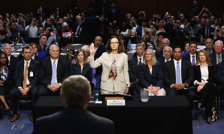 Ứng viên chức giám đốc CIA, bà Gina Haspel tại buổi điều trần trước Ủy Ban Tình Báo Thượng Viện, Washington, ngày 09/05/2018.
