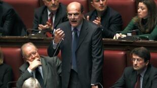 Shugaban Jam'iyyar Democrat Pier Luigi Bersani, lokacin da yake jawabi a zauren majalisa