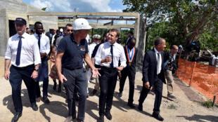 Presidente francês,l Macron diz a população da Guiana Francesa não ser Pai Natal, em visita marcada por protestos e reivindicações