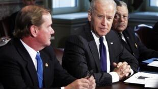 "O  vice-presidente americano, Joe Biden, teve papel importante nas negociações para no acordo para  evitar o ""abismo fiscal"""