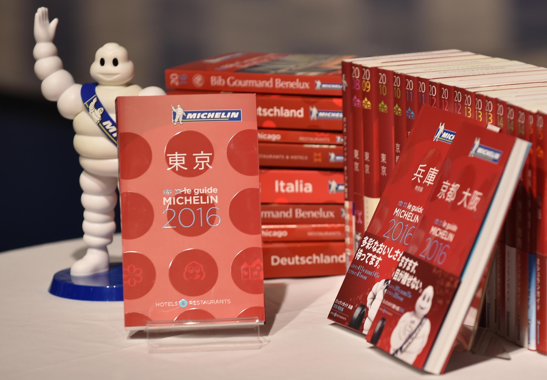 O guia Michelin tem traduções em várias línguas.