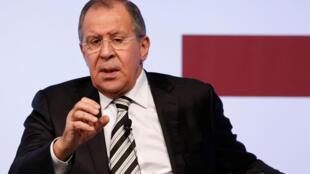 O chefe da diplomacia russa Serguei Lavrov anunciou que oito mil civis serão retirados de Aleppo
