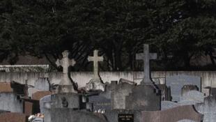 Un homme a été testé positif après avoir assisté à des obsèques dans le petit village de Vergt en Dordogne