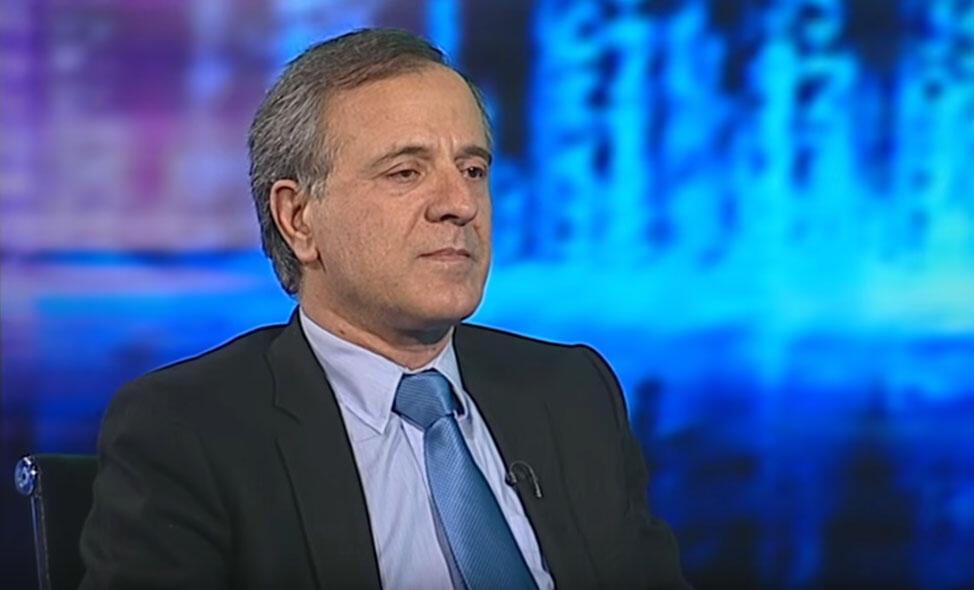 ایرج مصداقی، نویسنده، فعال حقوق بشر و زندانی سیاسی در دهه شصت
