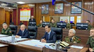 Le président russe a effectué le 7 janvier 2020 sa première visite à Damas depuis le début de la guerre en Syrie il y a neuf ans. Vladimir Poutine a rencontré Bachar el-Assad dans un centre de commandement russe.