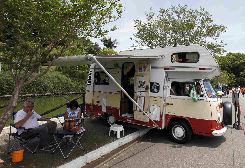 露營休旅車帶着全家隨性旅遊度假