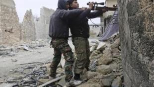Jihadis fighting at Aleppo airport