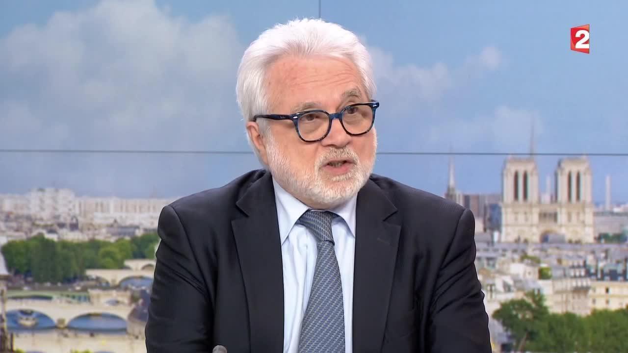 Луи Каприоли, бывший заместитель директора французской контрразведки.