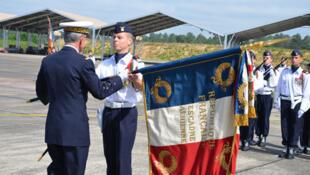 Remise du drapeau du Normandie-Niémen, le 25 juin 2012, sur la base de Mont-de-Marsan.