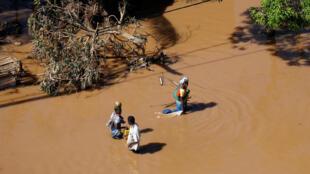 Moçambique já conta com pelo menos 600 mil desabrigados após a passagem do ciclone Idai.