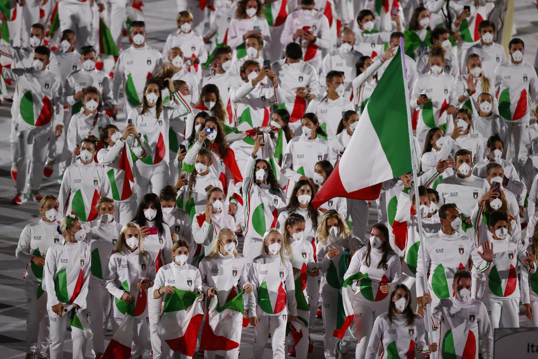 La délégation italienne lors de la cérémonie d'ouverture des Jeux olympiques 2020, le 23 juillet 2021, a été représentée avec une image incrustée de pizza, par la chaîne MBC.