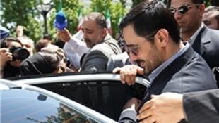 سعید مرتضوی هنگام خروج از دادگاه