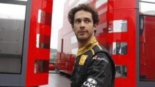 Bruno Senna é confirmado como piloto titular da Lotus Renault