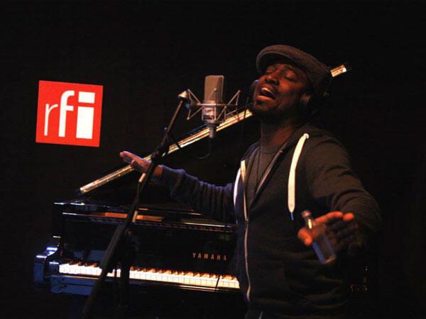 Fredy Massamba à RFI.