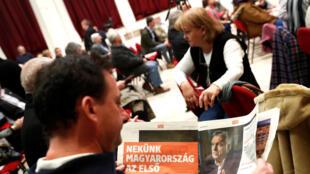 Le Fidesz d'Orban ressemble à un rouleau compresseur face à une opposition qui peine à afficher son unité.