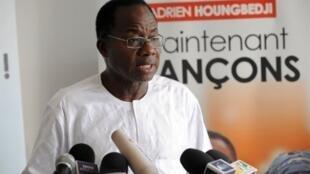 Adrien Houngbédji conteste la victoire de Boni Yayi à l'élection présidentielle béninoise.