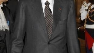 O ex-presidente Jacques Chirac decidiu não recorrer da sentença que o condenou a dois anos de prisão com sursis.