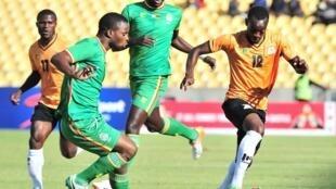 Zimbabwe ikimenyana na Zambia katika fainali ya COSAFA Julai 9 2017