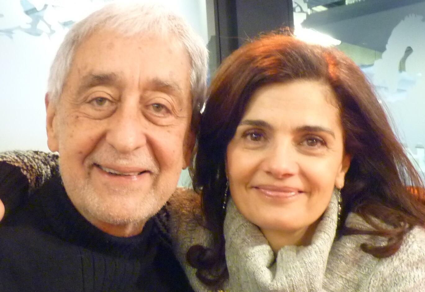 La cantante Sandra Rumolino y el bandoneonista Juan José Mosalini en los estudios de RFI en París