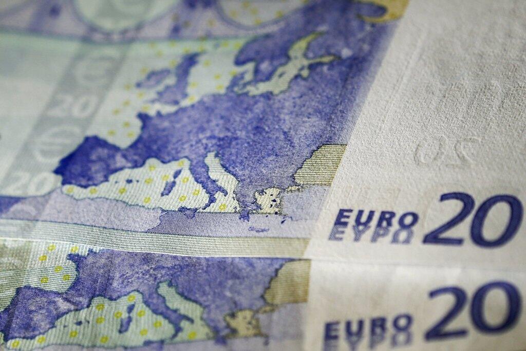 Карта Европы на банкноте в 20 евро.