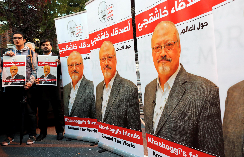 Cảnh biểu tình trước tòa lãnh sự Ả Rập Xê Út tại Istanbul đòi sự thật về cái chết  của  nhà báo Khashoggi. Ảnh 25/10/2018.