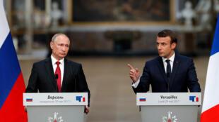 В мае 2017-го президент Эмманюэль Макрон в присутствии Владимира Путина назвал RT и Sputnik «органами лживой пропаганды». 29.05.2017. Версаль