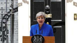 """A primeira-ministra britânica, Theresa May, anunciou nesta sexta-feira a formação de um novo governo que """"conduzirá o Brexit""""."""