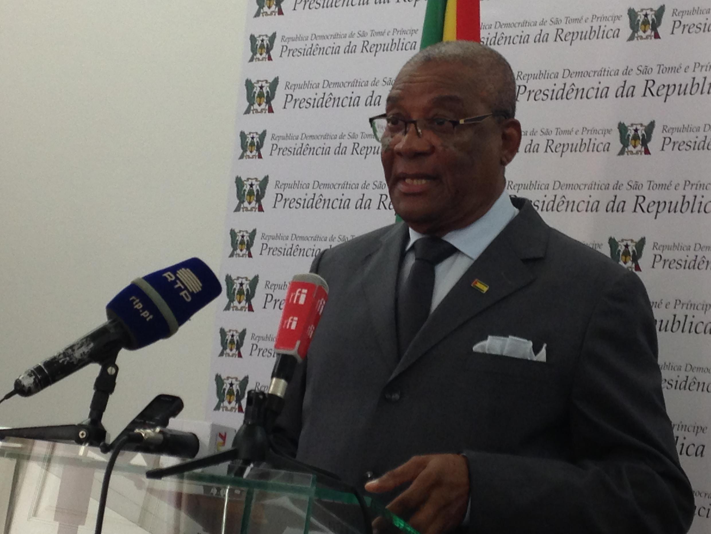 Evaristo Carvalho, Presidente de São Tomé e Príncipe, vetou a plémica proposta de revisão da Lei Eleitoral, aprovada pelo parlamento a 13 de dezembro de 2020.