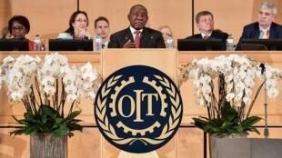 Le président sud africain Cyril Ramaphosa à la tribune de l'Organisation international du travail le 10 juin 2019.