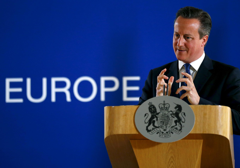O Primeiro-ministro, David Cameron defende que Grã-Bretanha deve se juntar aos ataques aéreos contra o Estado Islâmico, na Síria.