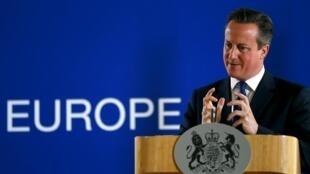 O primeiro-ministro britânico, David Cameron, defende que o Reino Unido deve juntar-se aos ataques aéreos contra o Estado Islâmico, na Síria.