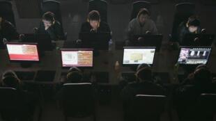 中国网吧里的网民