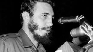 Le dirigeant cubain Fidel Castro, le 26 septembre 1960 à la tribune de l'Assemblée générale de l'ONU.