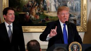 美国总统特朗普 2017年11月6日在美国驻日大使官邸会晤美国驻日商界领袖。