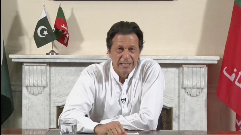 Tsohon dan wasan Cricket na Pakistan, Imran Khan na jam'iyyar PTI, yayin sanar da yin nasara a zaben kasar. 26 ga watan Yuli, 2018.