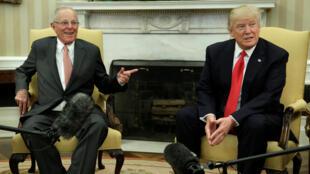 Les président Trump et PPK, le 24 février 2017 à la Maison Blanche de Washington.