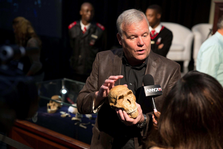Le professeur Lee Berger, le paléontologue qui a mené l'exploration en Afrique du Sud aboutissant à la découverte de l'Homo naledi.