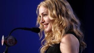 Madonna durante a entrevista coletiva do Super Bowl.